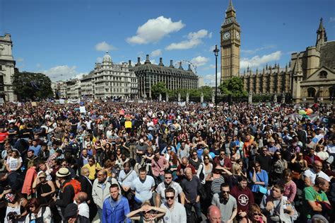 Brexit protest London: 30,000 in 'March for Europe' demo