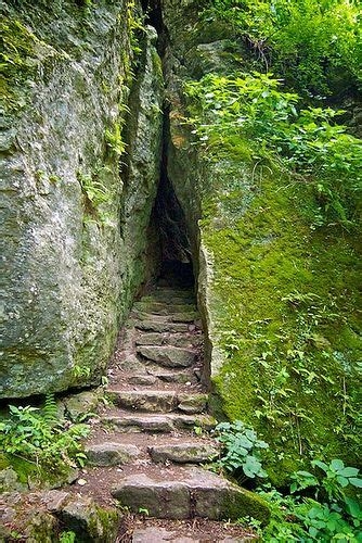 Maquoketa Caves State Park Iowa by miss604, via Flickr in
