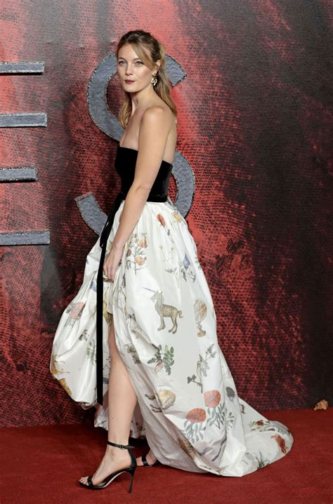 Red Carpet - Leila George at Mortal Engines Premiere in