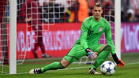 Neuer nominated for UEFA award : Official FC Bayern News
