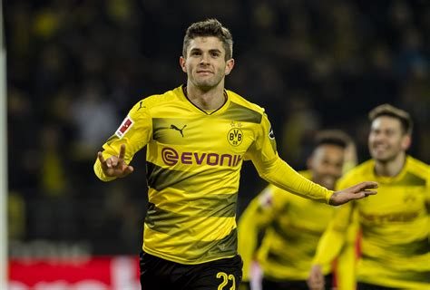 Christian Pulisic should reject PL advances and stay at