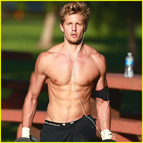 Matt Barr: Shirtless Workout! | Matt Barr, Shirtless