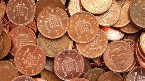 The government is considering getting rid of 1p and 2p coins
