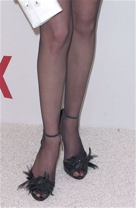 Celebrity Legs and Feet in Tights: Celebrity Legs and Feet