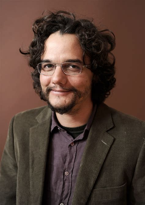 """Wagner Moura - Wagner Moura Photos - """"Father's Chair"""