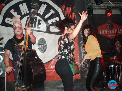 Demented Are Go trajeron psychobilly hasta hacer sangre