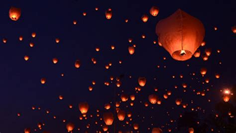 Over 16,000 lanterns released into the sky in Mexico for